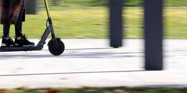 How will the Russian authorities' war with electric scooters end?