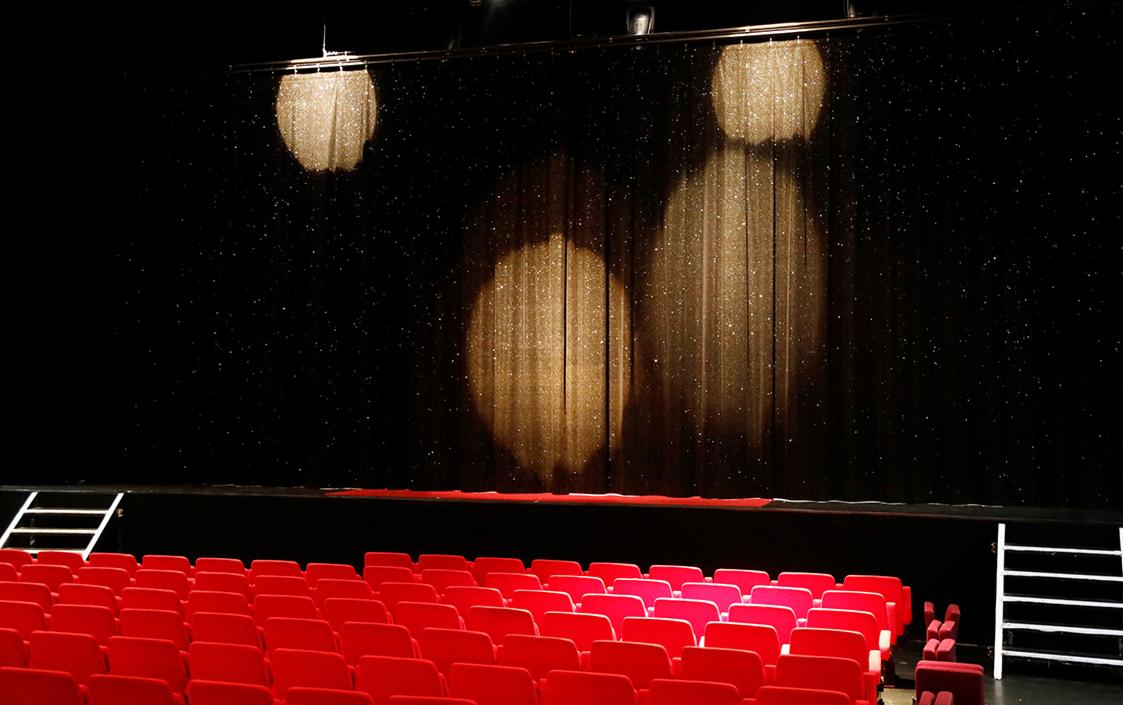 Первый московский театр закрылся накарантин