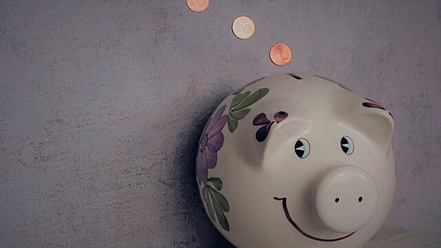 Старые сапоги и пыльные матрасы: где хранят деньги разные знаки зодиака