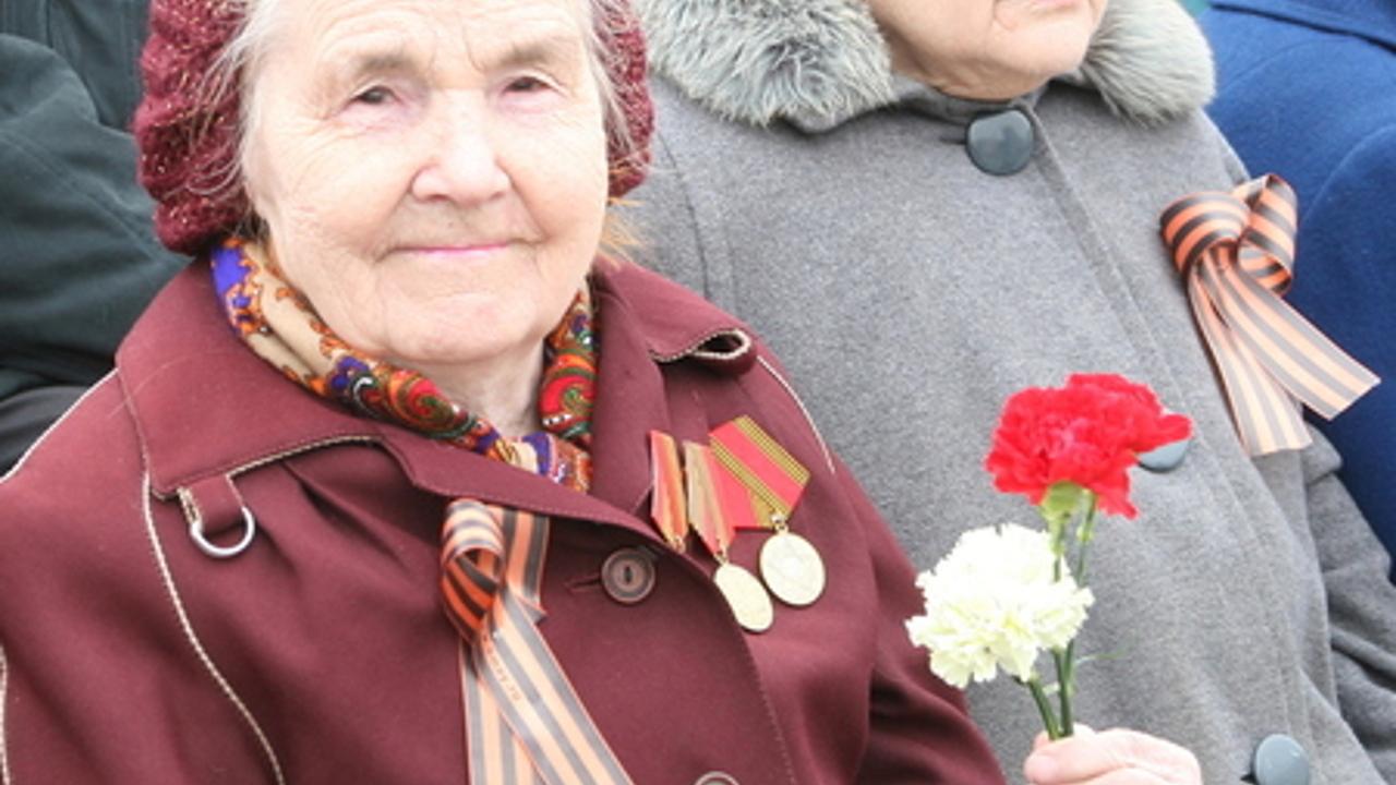 Кто получит добавку к пенсии дети войны минимальная пенсия инвалидам в 2021 году