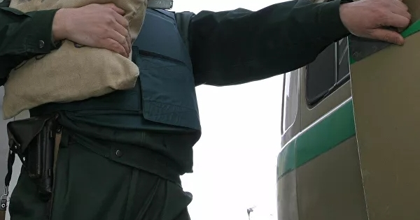 Приотработке действий позащите отнападения инкассатор застрелил напарника