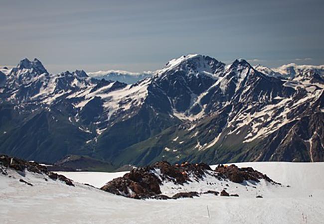 Выживший наЭльбрусе альпинист рассказал обумирающей наруках жене