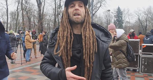 Музыкант обвинил Украину в«убийстве» русского языка