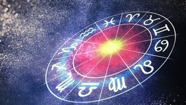 Рыбам придется импровизировать, а Скорпионам потребуются смелые идеи: гороскоп на понедельник, 23 августа
