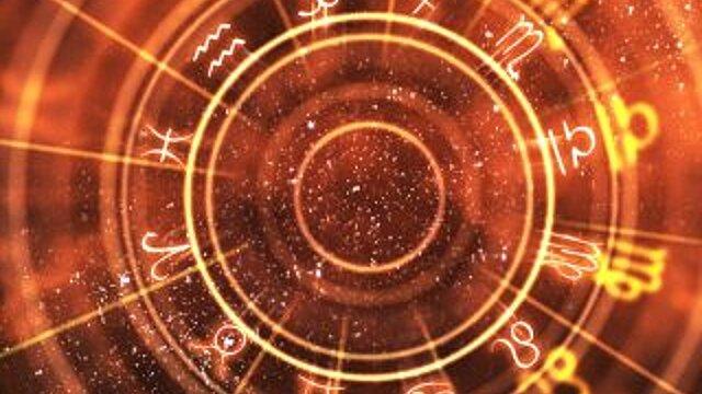 Львов ждет начало романтической истории, а Стрельцам придется поволноваться: гороскоп на воскресенье, 26 сентября