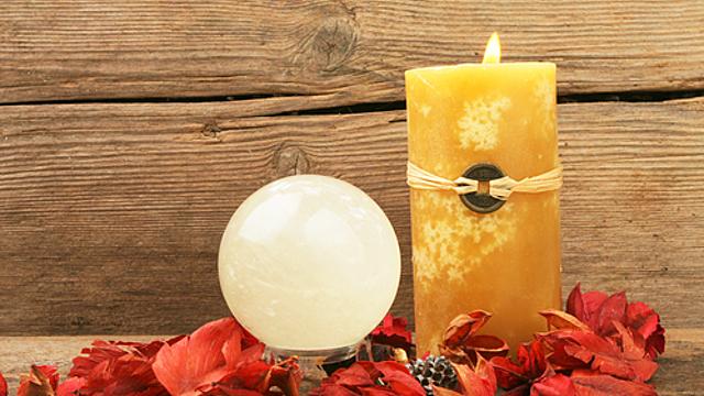 Энергия: свечи и кристаллы