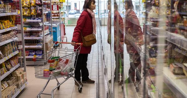 Житель Екатеринбурга разбросал тараканов всупермаркете