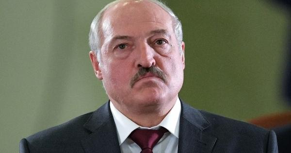 Лукашенко лишил званий более 80бывших силовиков