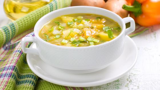 Диетологи объяснили, какой суп считается самым полезным