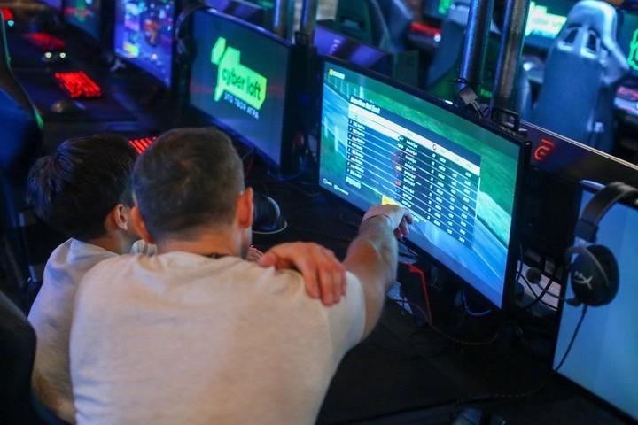 Стал известен размер заработка киберспортсмена