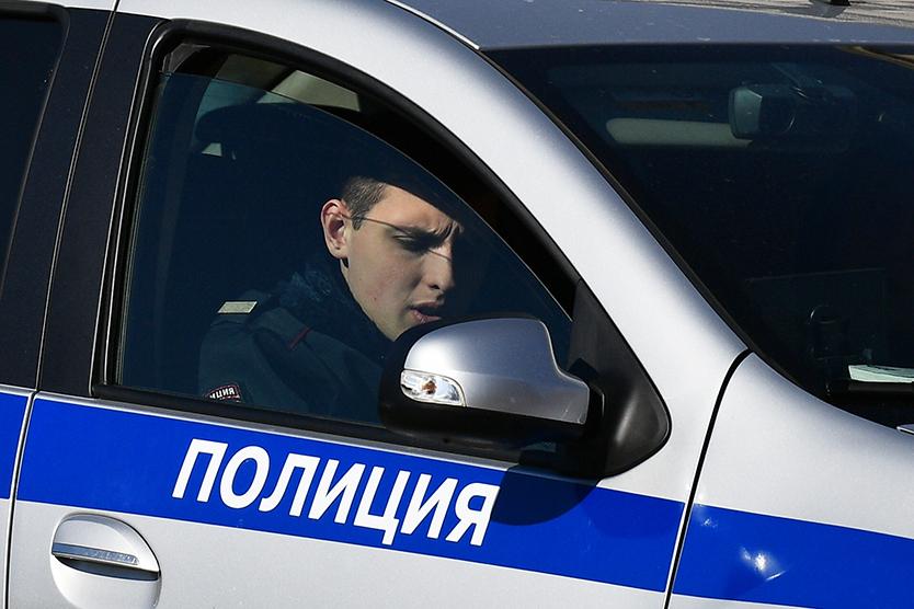 Пенсионерка зашла вофис вцентре Москвы иукрала 200 тысяч рублей
