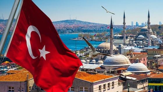 Российские туроператоры не ждут возобновления туров в Турцию