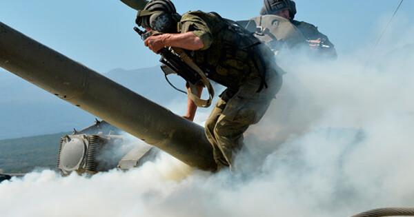 Натерритории воинской части вДагестане загорелся танк