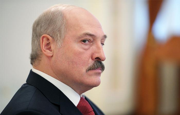 """Лукашенко """"мстит"""" соседям"""