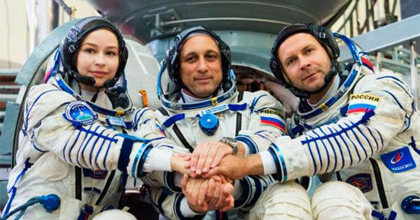 LIVE: Старт космического корабля «Союз» длясъёмок фильма наМКС
