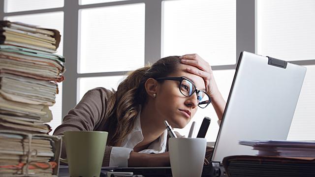 Каким знакам зодиака в феврале ждать проблем на работе