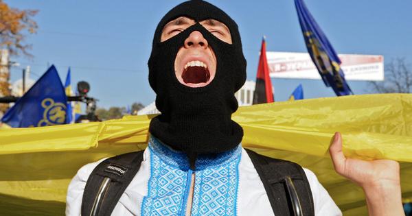 Националисты устроили провокацию против российских дипломатов воЛьвове