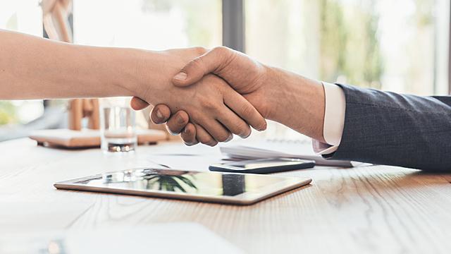 Налаживаем отношения с начальством — финансовый гороскоп на 10 августа