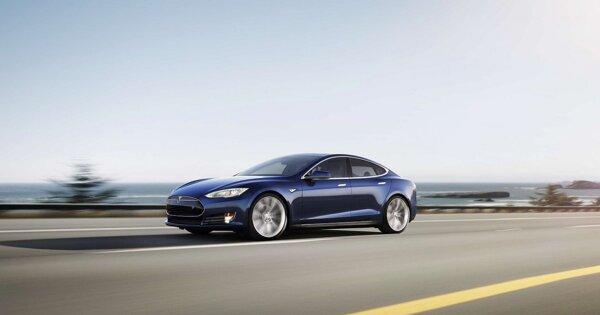 Власти США прекратили расследование случаев с возгоранием электрокаров Tesla