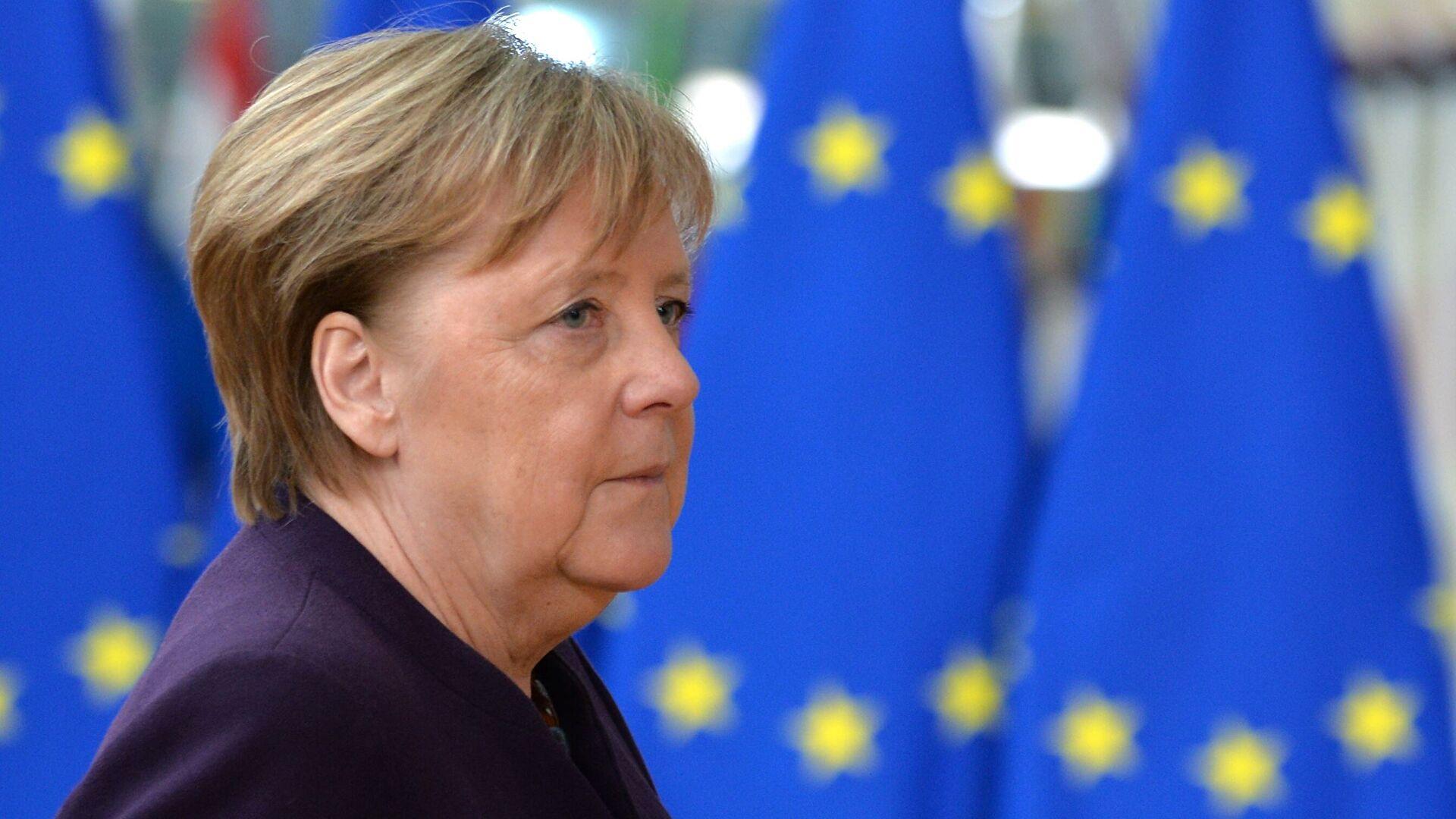 WSJ рассказал, как Меркель невзяла трубку отБайдена
