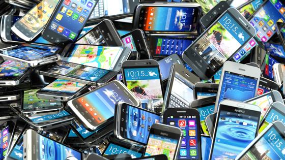 Почему нельзя выбрасывать старый смартфон