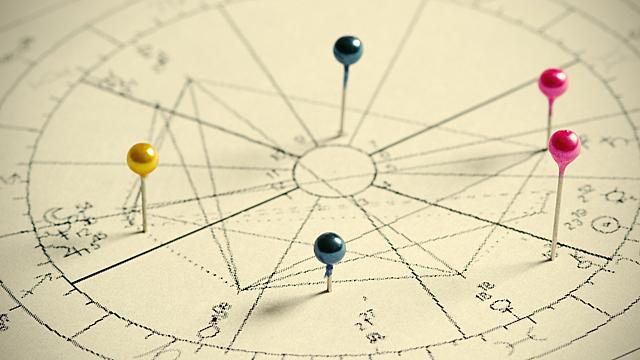 Как ретроградный меркурий в 11 доме влияет на натальную карту