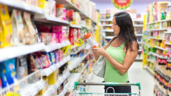Эксперты рассказали, как россиян обманывают в продуктовых