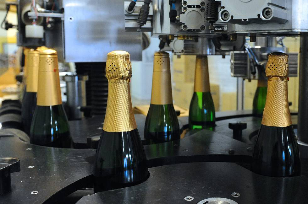 На10% подорожает шампанское кНовому году