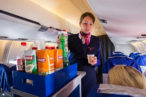 Российская стюардесса показала едумиллионеров — Рамблер/путешествия