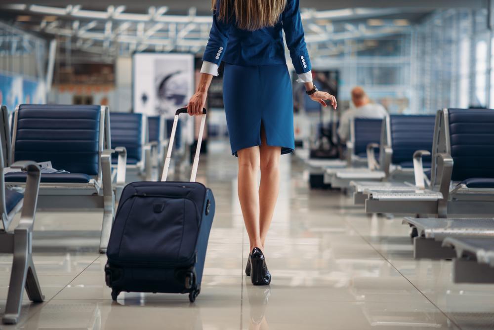 Стюардесса развеяла мифы обобязанностях бортпроводниц — Рамблер/путешествия