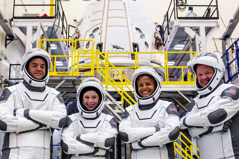 Вдохновленные космосом: впервые вистории наорбиту отправился гражданский экипаж