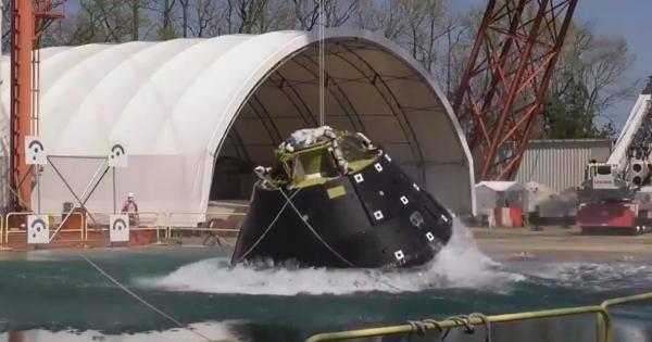 ВNASA успешно провели приводнение корабля Orion дляполета наЛуну