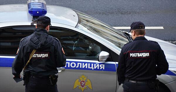 Россиянин ранил ножом двух полицейских