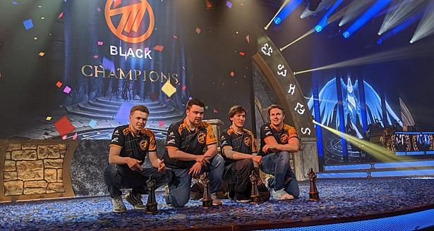Чемпионов BlizzCon на турнирах по WOW пожизненно забанили за расистские высказывания