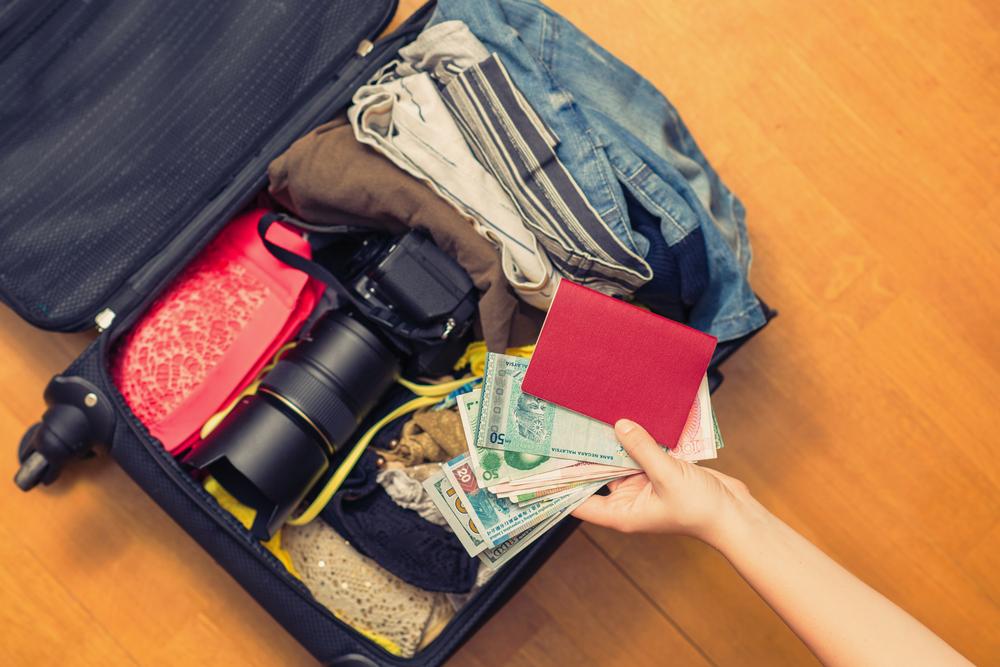 Простые вещи, которые запрещено вывозить из разных стран — Рамблер/путешествия