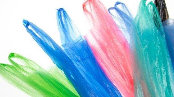 Россияне стали реже покупать пластиковые пакеты