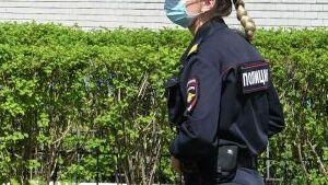 Мужчина открыл стрельбу возле школы в Волжском