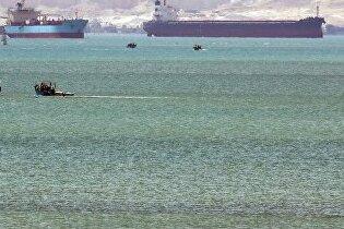Еще одно судно перегородило Суэцкий канал
