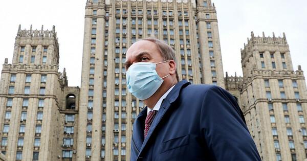«Непотерпим»: Россия пригрозила ответить навысылку дипломатов изСША