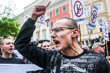 Утрата ценностей. Что заставило Польшу иВенгрию пойти против всей Европы иначать борьбу сЛГБТ илибералами?