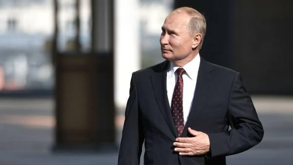 Путин прибыл вПсковскую область, где наЧудском озере откроет памятник Невскому