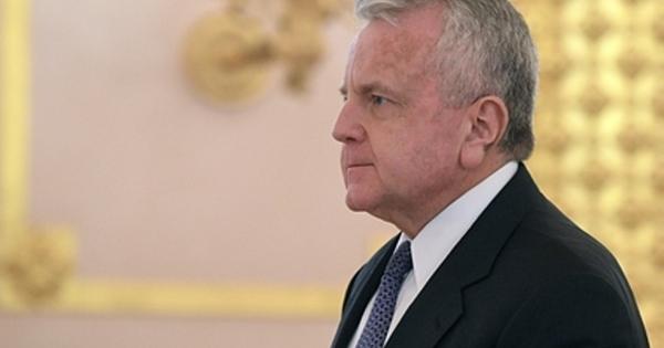 Посол СШАвМоскве отказался покидать Россию