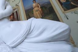 На Эрмитаж поступила жалоба из-за обнаженных скульптур